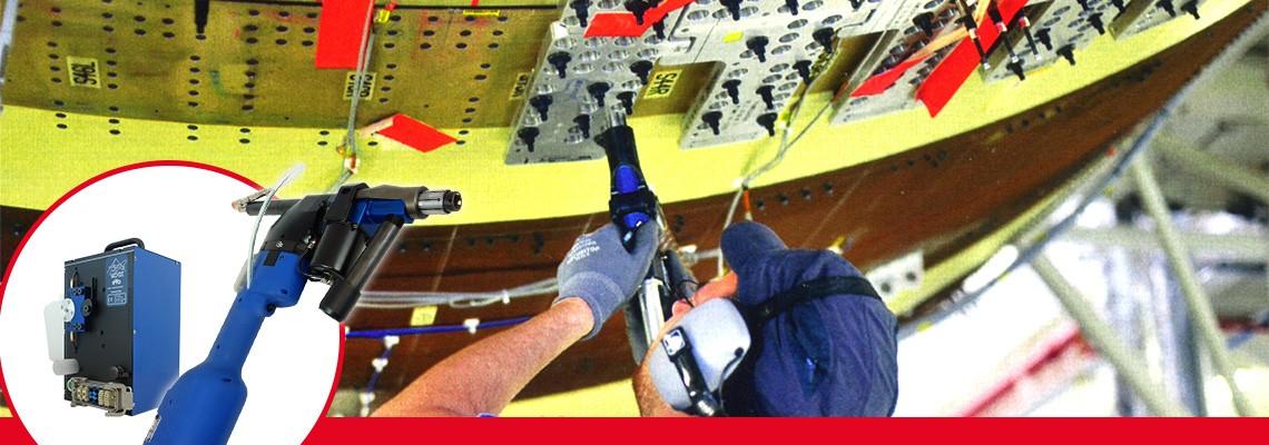 Linia Seti-Tec jest dedykowana do konstruowania i dostarczania wyposażenia montażowego dla lotnictwa, szczególnie dla półautomatycznych operacji wiercenia.<br/>Ten sam typ konstrukcji został zastosowany w 2 głównych typach maszyn ST1200 oraz ST2200, przeznaczonych do otworów o różnych średnicach. Wszystkie typy maszyn obsługiwane są takim samym planem i procedurami konserwacji.<br/>